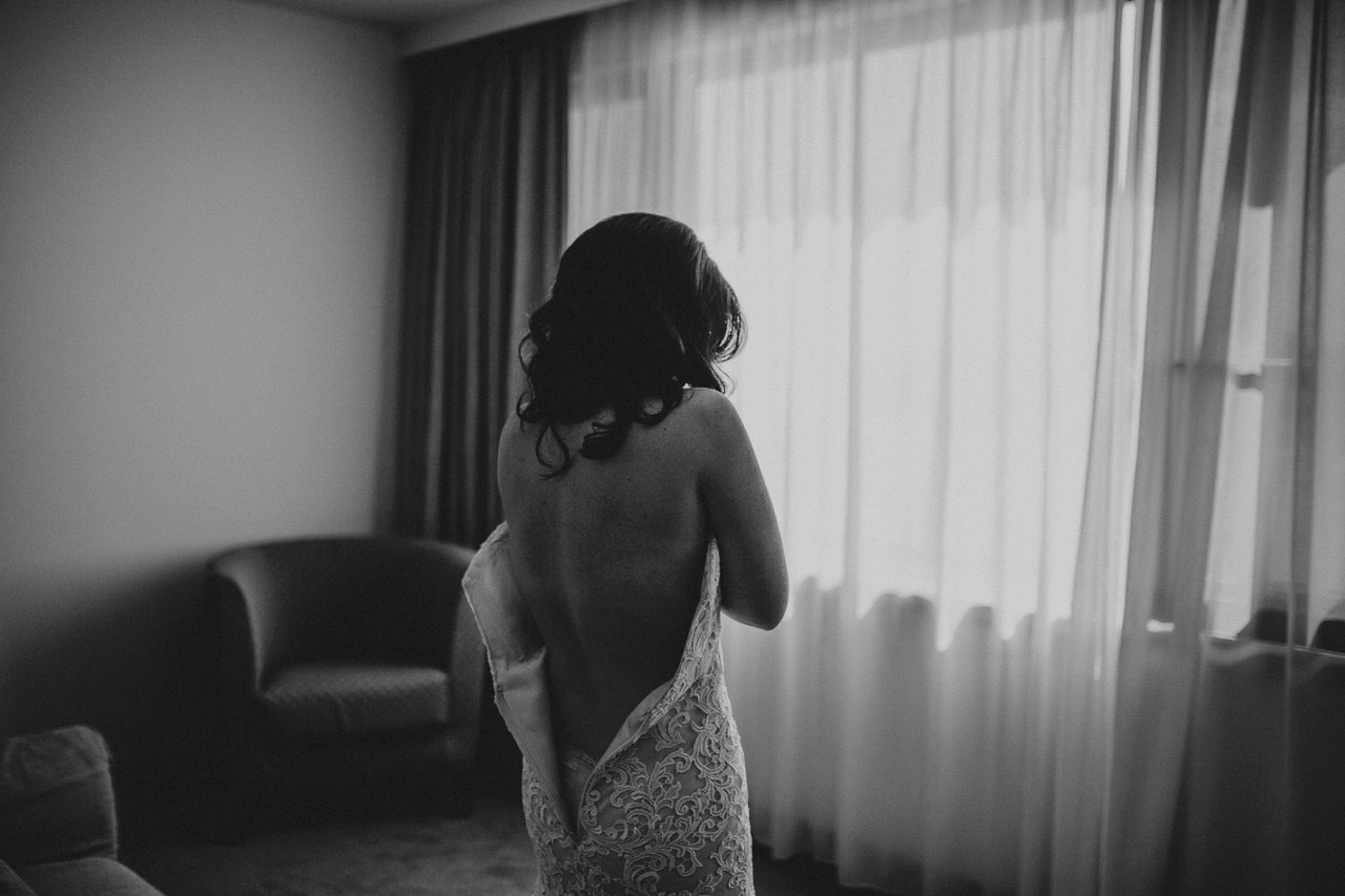dubrovnik elopement photographer bride getting ready